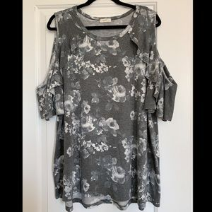 Gray flowered cold-shoulder tee